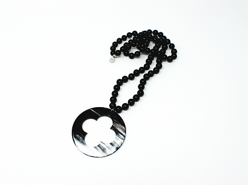 Onyx Necklace with Horn Clover Pendant