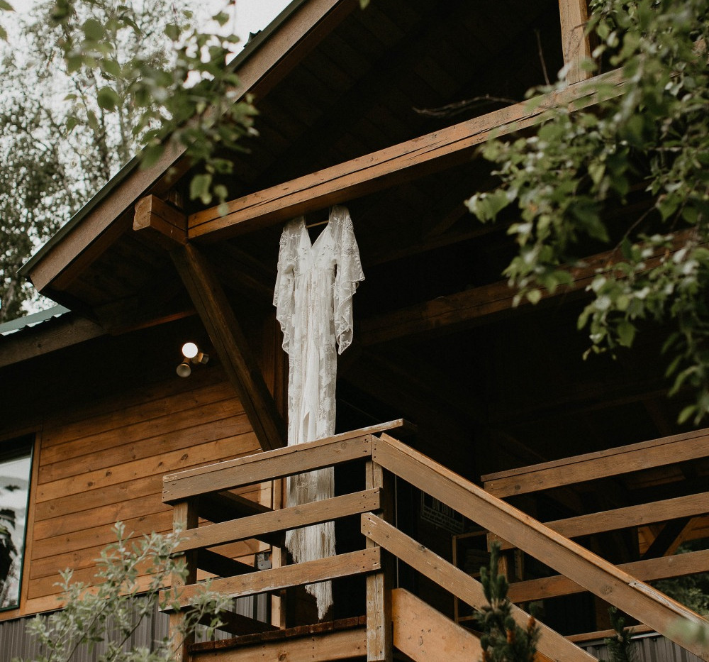 Wedding Dress at Hillside Lodge.jpg