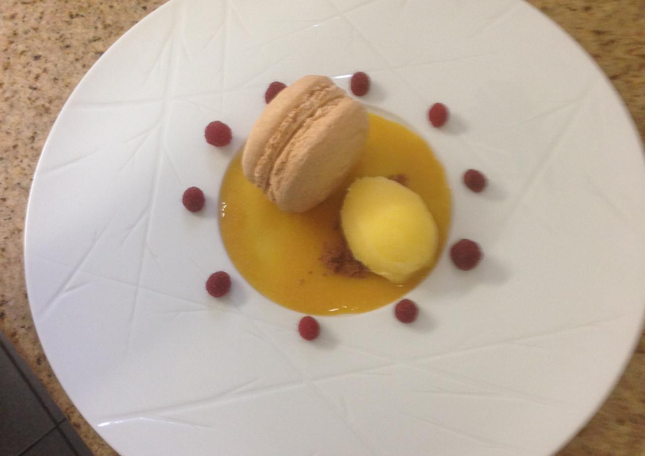 Macaron et sorbet passion