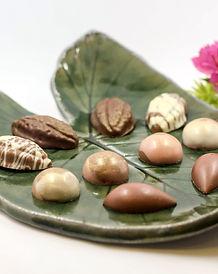מארזי שוקולד בצלחותקרמיקה