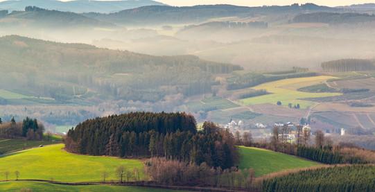 landscape-3908270_1920.jpg