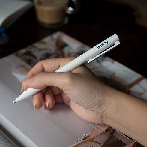 Leplay-Pen.jpg