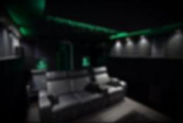 Kino-D%C3%BCsseldorf2_edited.jpg