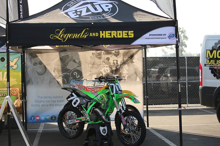 legends_engineice_ezup_supercross_a1_202