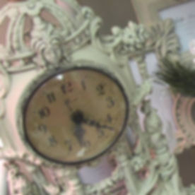Vintag shabby chic clock opening hours