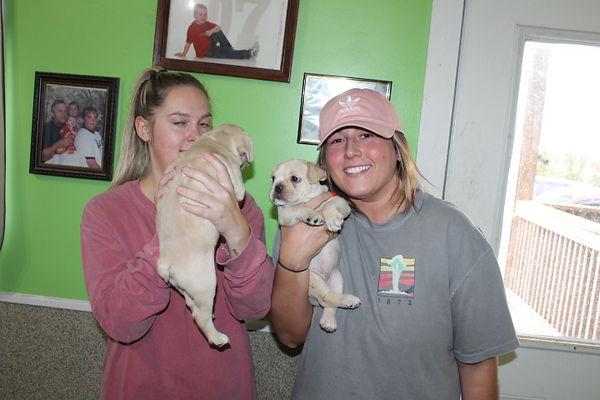 Puppy-Buyer-Cooper-Lauren (6).JPG