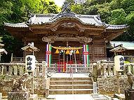 白浜神社では初詣や七五三、結婚式も行われます。西城秀樹さんも挙式されました。樹木希林さんもいましたよ♪