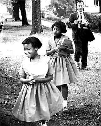 1960 Mama and Aunt Cassandra.jpg