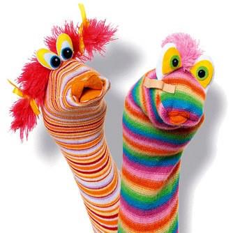 Des marionnettes avec des chaussettes ;-)