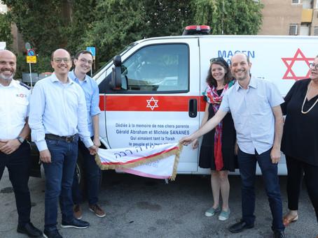 Quando donare un'ambulanza è una questione di famiglia