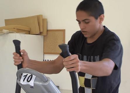 La storia di Raz: sax e biciclette per tornare in piedi