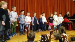 glasbeno uvajanje na odru