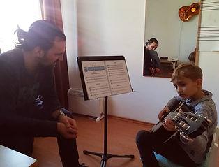 kitara Bor.jpg