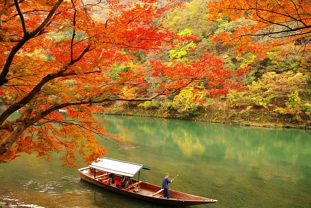嵐山屋形船