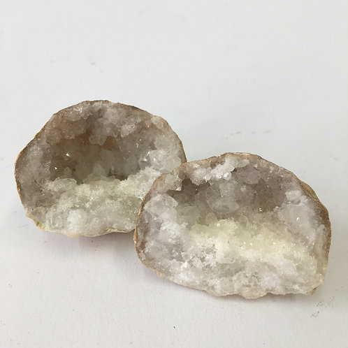 Bergkristal geode +/- 5cm
