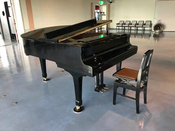 グランドピアノ導入