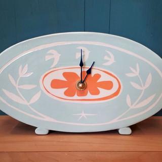 Oval standing orange blossom clock