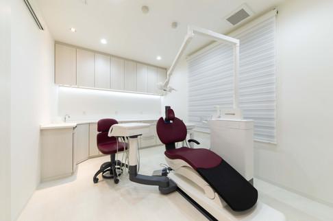 診療室-1.jpg