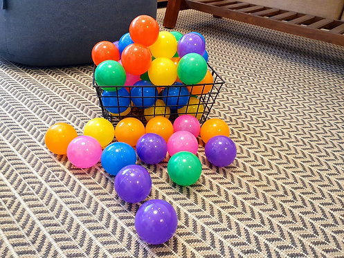 כדורים צבעוניים 50 יח' בסל - למכירה