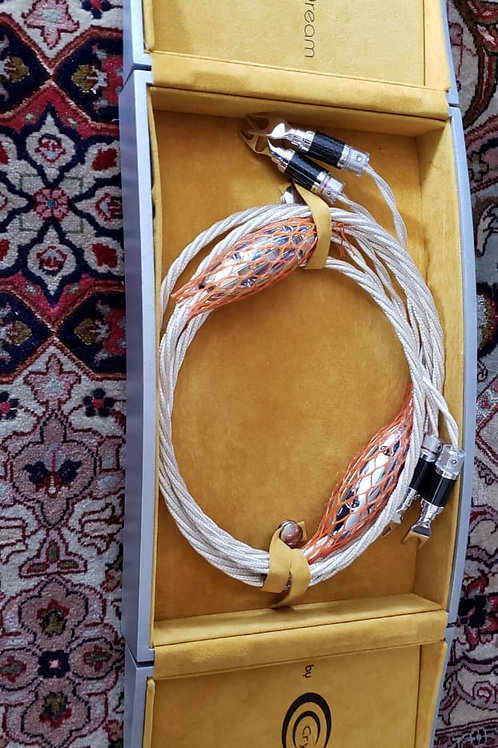 Cabo de Caixa Crystal Cables Absolute Dream (2.4m)