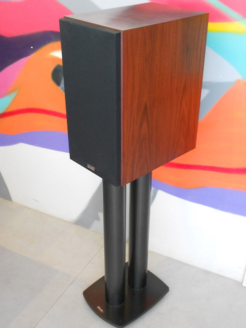 Caixas Dynaudio 25th c/pedestal