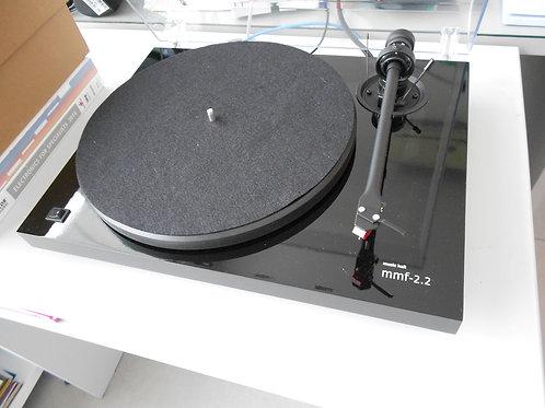 Toca discos MUSIC HALL MMF 2.2 + Preamp de fono REGA