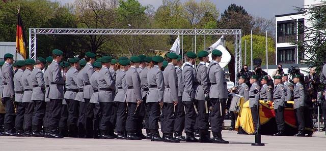 Bundeswehr / Soldaten auf Zeit / SAZ / Übergangsgebührnisse / freie Heilfürsorge