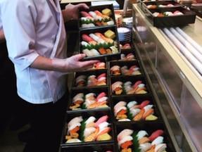 お持ち帰り用の寿司折、好評です!