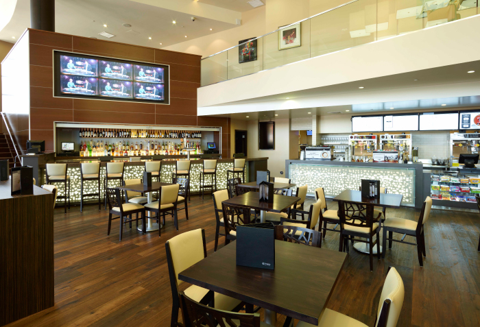 Cinepolis-Del-Mar-lobby-bar