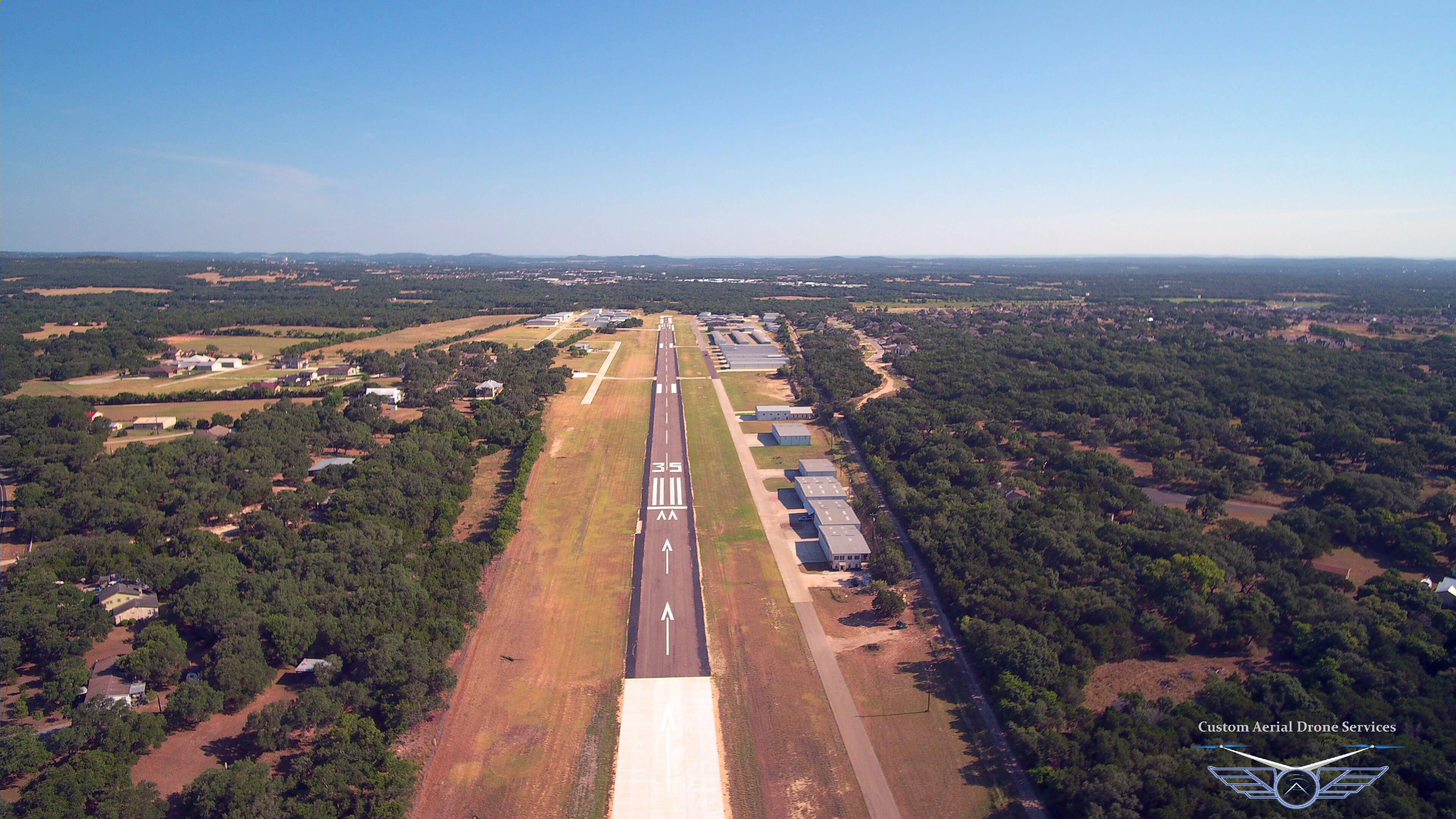 Boerne Stage Airfield 5C1, Runway 35