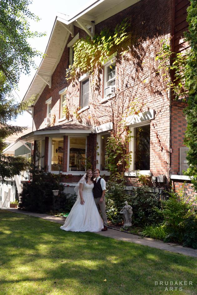 DSC_3390 copy logo wedding photographer yakima.jpg
