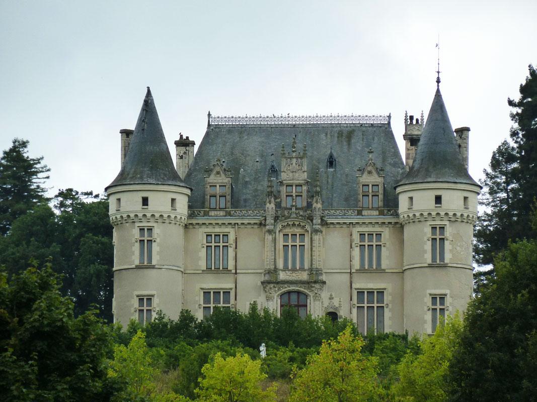Замок Левашовых