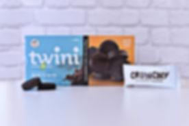 Twini_double_cocoa_sandwich_cookies_edited.jpg