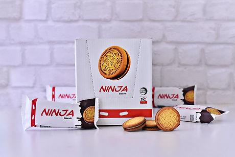 Ninja_Vanilla_Biscuit_with_Cocoa_Cream44g_edited.jpg