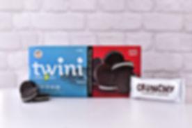 TwiniOriginal132gGroup_cocoa_cookies_vanilla_cream_edited.jpg