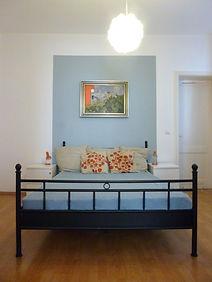 Schlafzimmer in graublau