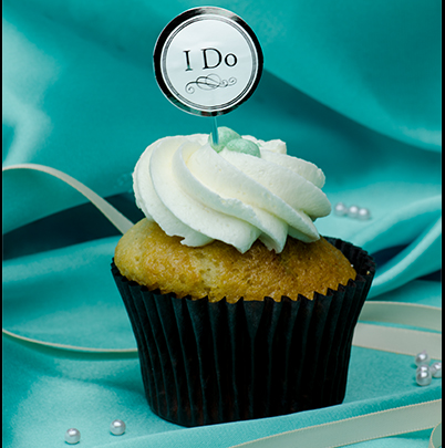"""I Do,"" says this wedding cupcake!"