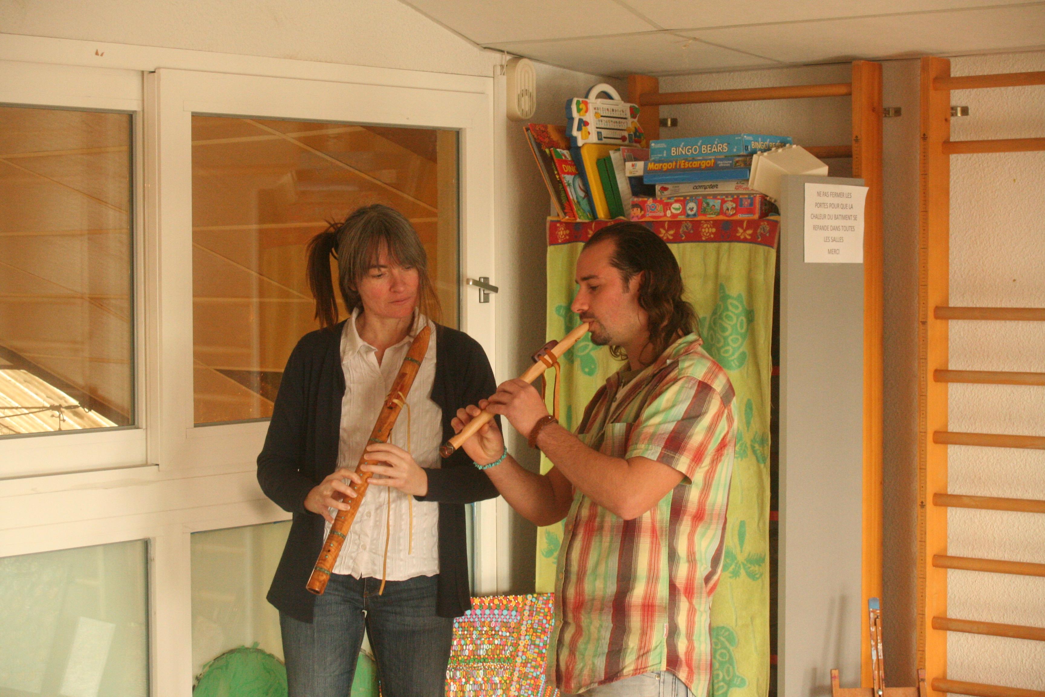 Emmanuel à la flûte amérindienne