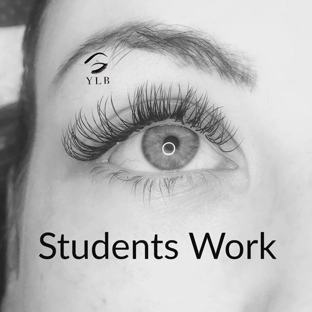 Student lash training.jpg