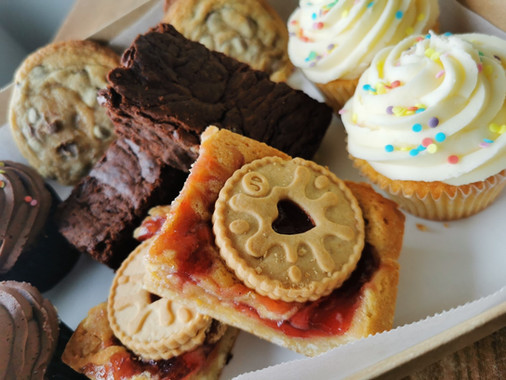 Takeaway Cakes Treat Box.jpg