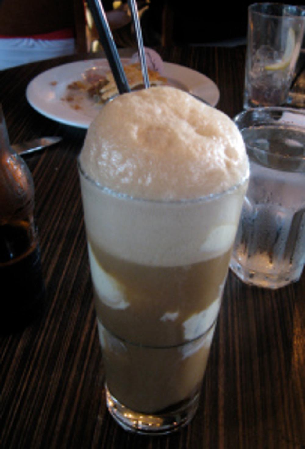 By Arnold Gatilao - originally posted to Flickr as Root Beer Float, CC BY 2.0, https://commons.wikimedia.org/w/index.php?curid=5644549