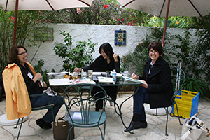 R to L: Clara Josephs, Akiko Enokido and Janice Sharp demonstrate in the Secret Garden, © DB Shaw 2010
