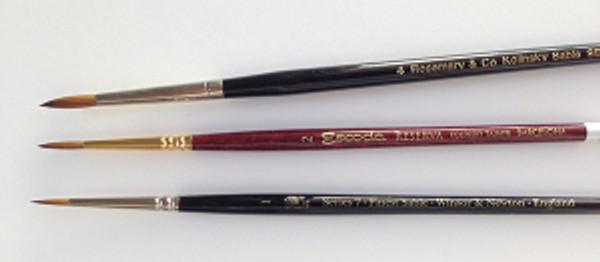 From top to bottom: Rosemary and Company, Series 33 Kolinsky Sable brush, #4; Escoda Reserva Kolinsky Sable Brush, #2; Winsor & Newton, Series 7 Kolinsky Sable Brush, #1. Photo by Deb Shaw.