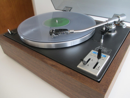 What to look for when buying a vintage turntable