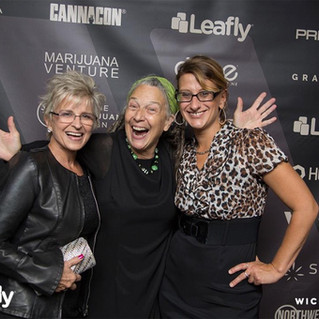 Nana, Grandma Cat, Alison