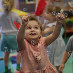 spanish, language, play, fun, toddler, bubbles, early years.jpg