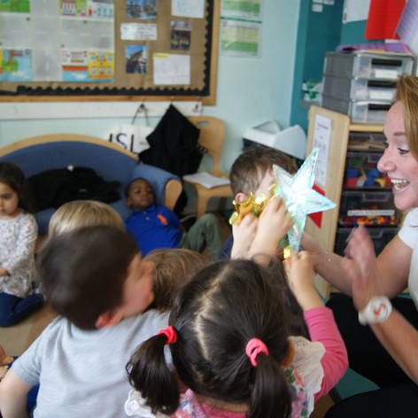 teaching, shapes, star, fun, group, involvement, nursery children, spanish language.JPG