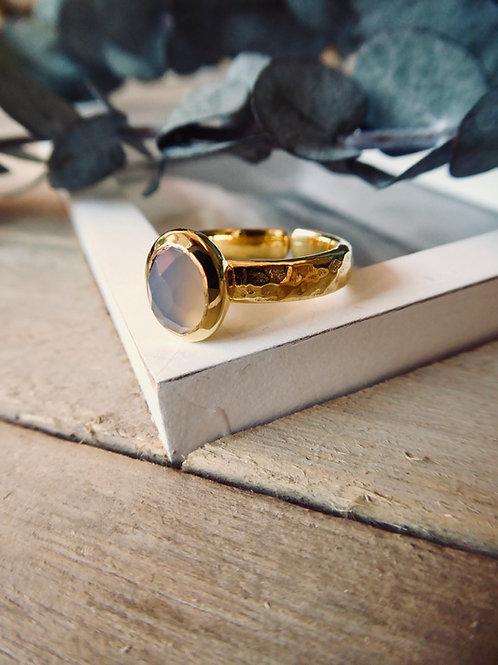 GOLDENER BASIC RING MIT GRAUEM ACHAT EDELSTEIN (GRÖSSENVERSTELLBAR)