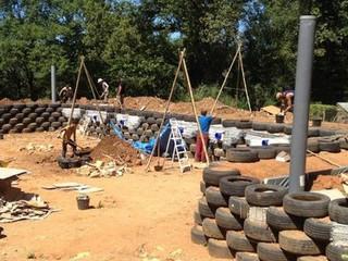 Cette partie du chantier a totalisé 800 pneus et de très nombreux bénévoles.