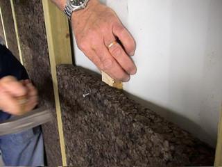 Le liège (deux panneaux de cinq centimètres) est utilisé pour ses qualités d'isolation thermique et acoustique.
